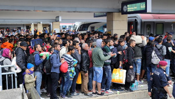 Refugees at Vienna West Railway Station in 2015  (Photo by Bwag) (CC BY) (Resized/Cropped)