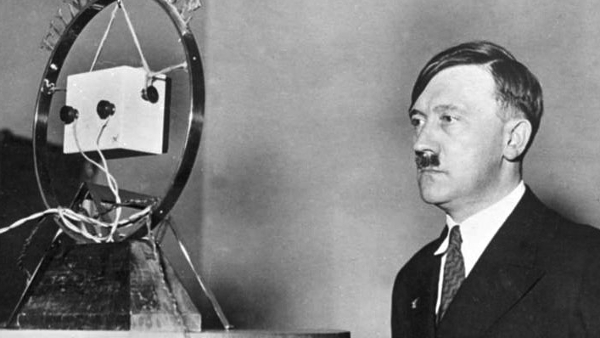Adolf Hitler, former Führer of Nazi Germany (Source: German Federal Archive) (CC BY-SA 3.0 DE) (Resized/Cropped/Flipped)