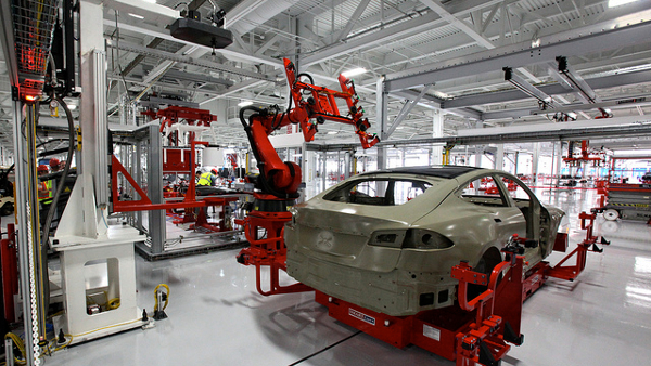 Tesla Autobot Manufacturing (Photo by Steve Jurvetson) (CC BY) (Resized/Cropped)