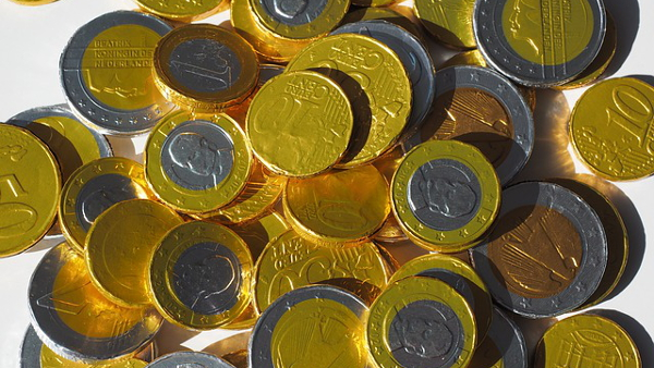 gold euros chocolate coins PUBLIC DOMAIN