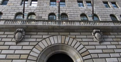 Federal Reserve Bank of New York, Manhattan, New York  (Photo by Ken Lund) (CC BY) (Resized/Cropped)