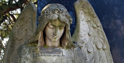 Angel, Cemetery Mauer, Vienna (Photo by HeinzLW) (CC BY-SA) (Resized/Cropped)