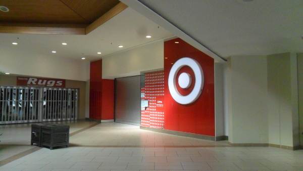 Target in Toronto, Ontario, Canada  (Photo by Nicholas Moreau) (CC BY-SA) (Resized/Cropped)