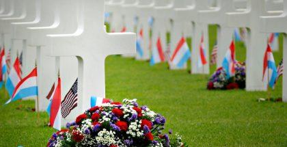 memorial day gravestone flowers PUBLIC DOMAIN