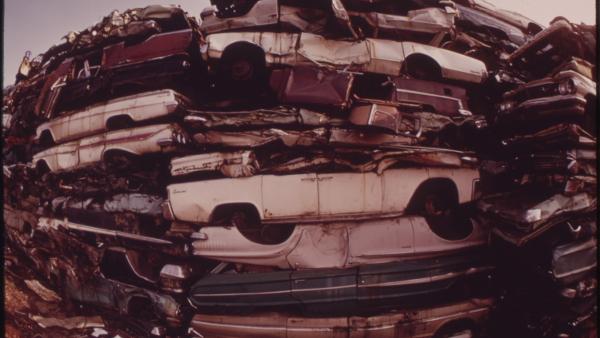 cars scrap junkyard PUBLIC DOMAIN