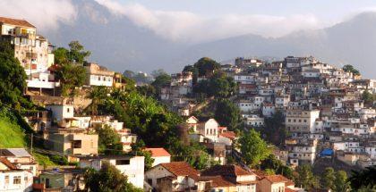 Santa Teresa, Rio de Janeiro (Photo by chensiyuan) (CC BY-SA) (Resized/Cropped)