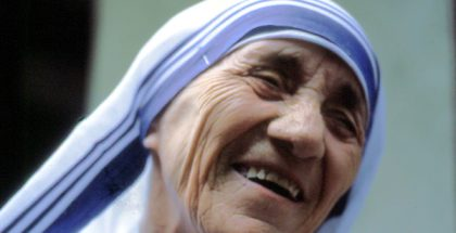 Mother Teresa MC, Saint Teresa of Calcutta (Photo by Manfredo Ferrari) (CC BY-SA) (Resized/Cropped)