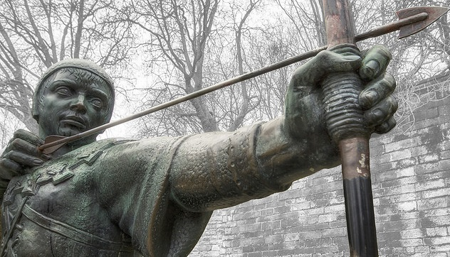 Robin Hood Statue, Nottingham (Arran Bee on Flickr) CC BY 2.0, Resized/Cropped