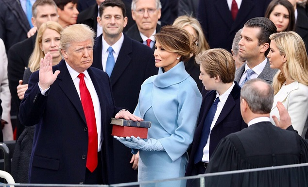Donald_Trump_swearing_in_ceremony